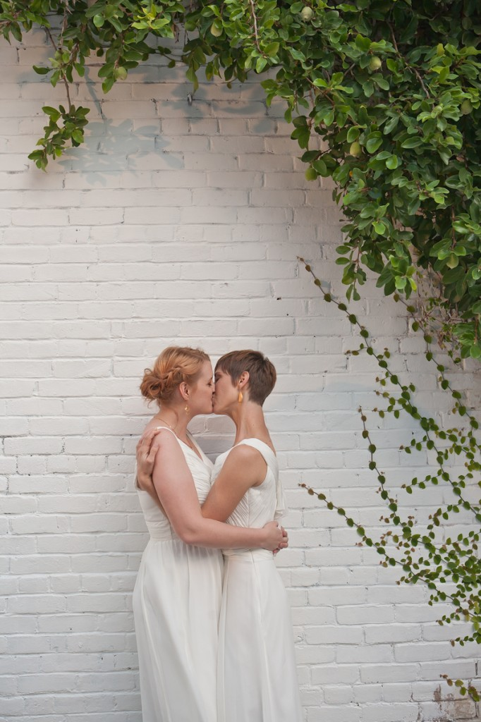 Austin wedding photographer, Austin wedding, Austin lesbian wedding, Lesbian wedding, CTC garden wedding, CTC gardens, Jessica Monnich Photography (8)